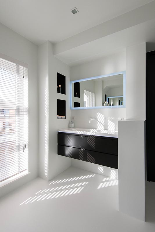 resine sol salle de bain. Black Bedroom Furniture Sets. Home Design Ideas